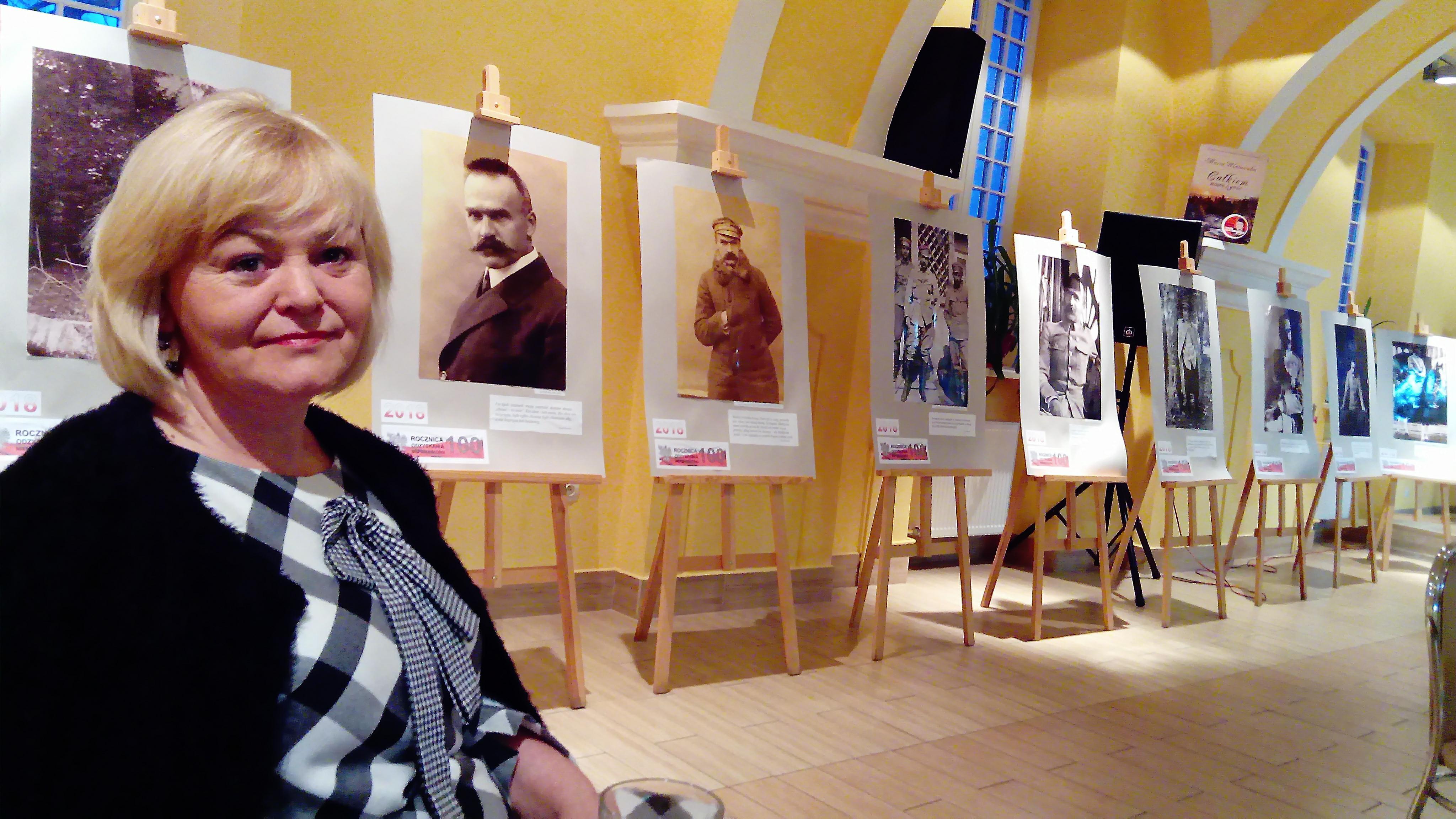 Solidarność Strzyżowska dla NIepodległej. Wystawa o J. Piłsudskim w Bibliotece Miejsko-Gminnej w Strzyżowie.