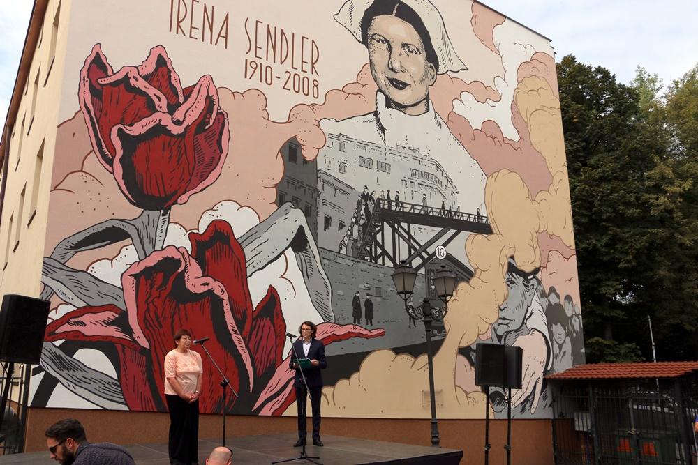 7 września w Rzeszowie odsłonięty został mural upamiętniający Irenę Sendlerową