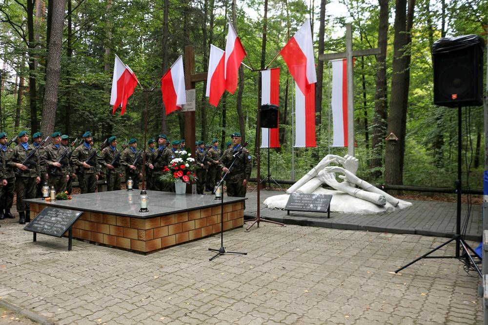 """Las Turzański – """"Mały Katyń"""", 16.09.2018 r. upamiętniono pomordowanych."""