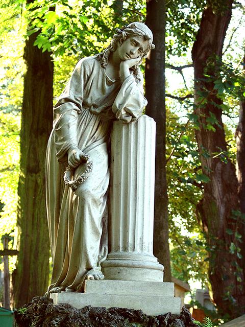 jeden z pomników na łańcuckim cmentarzu, archiwum MZŁ, fot. Maryna Szewczuk