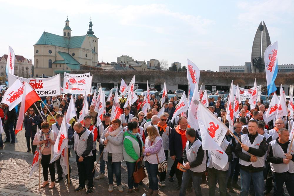 """A propos informacji po manifestacji """"Solidarności"""""""