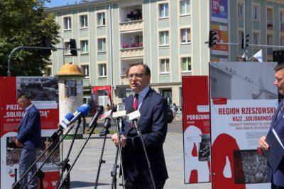 """W Mielcu otwarto wystawę """"Tu rodziła się Solidarność"""""""
