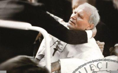 """Prof. Polak: """"Zamach na Jana Pawła II się nie udał, ale operację maskującą przeprowadzono prawidłowo"""""""